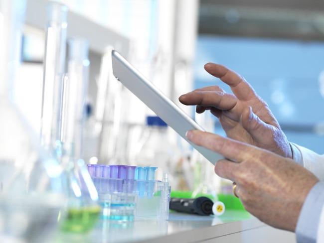 Clinical trial data regarding deep molecular response outcomes suggest that dasatinib and nilotinib